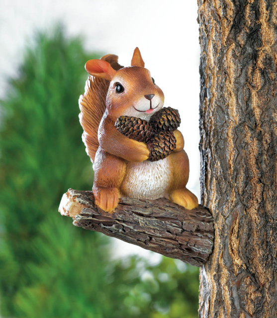 Squirrel Tree Decor